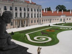Esterházy-kastély2